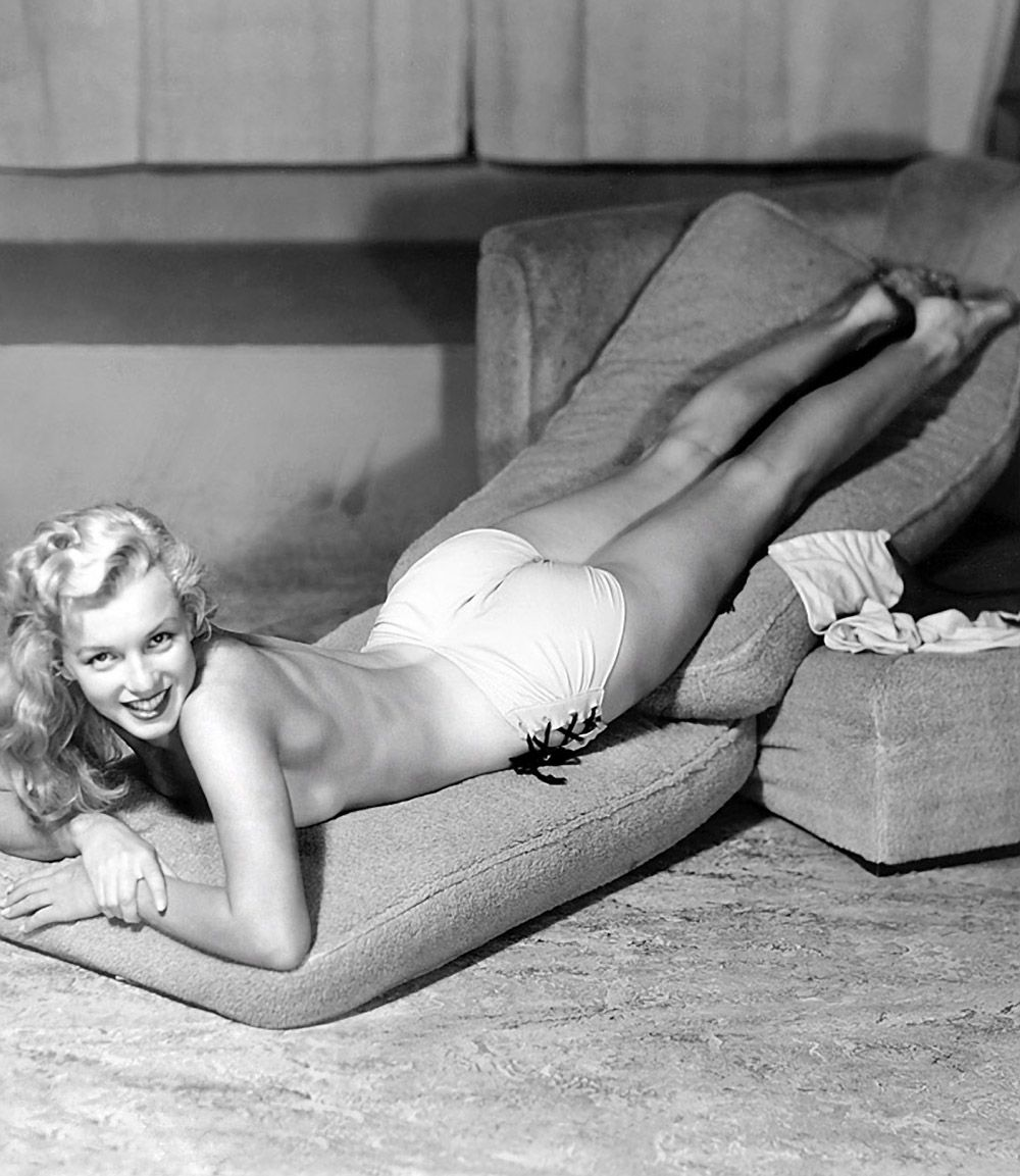 Before She Was Famous, Marilyn Monroe Was Paid Just 10 An -9062