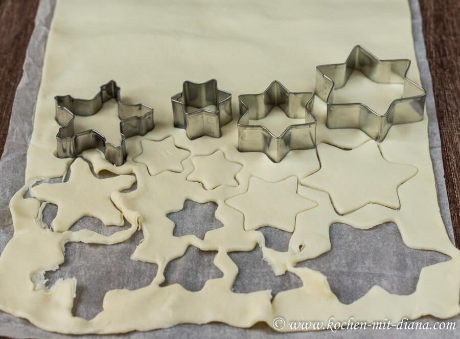 Kekse fuer 3D - Kekse-Weihnachtsbäumchen ausstechen
