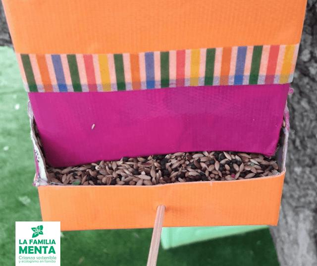 Actividad para peques: comederos de pájaros con un brick