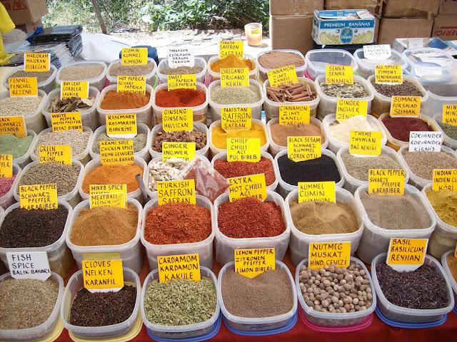 Mooie kleuren van specerijen geZIEN door Mees (10)