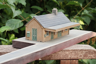 Peco Lineside LK 200 Wooden Station