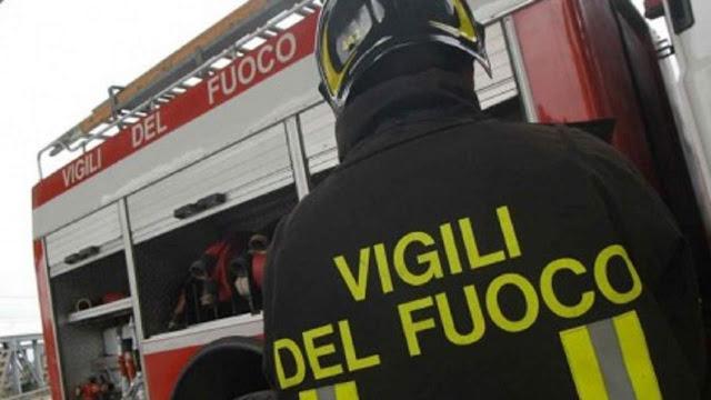 Foggia, distrutto dalle fiamme un bar. Indagini in corso dai Carabinieri
