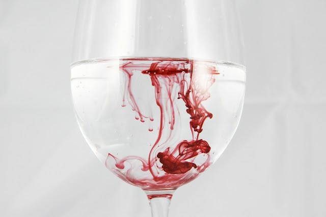 Cómo fabricar sangre de mentira para Halloween