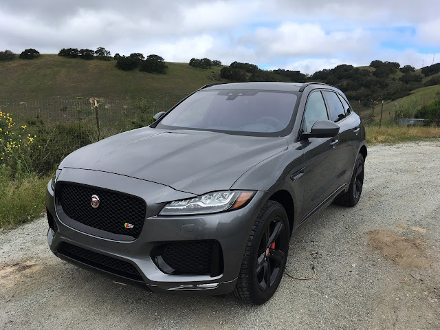 Front 3/4 view of 2018 Jaguar F-Pace S