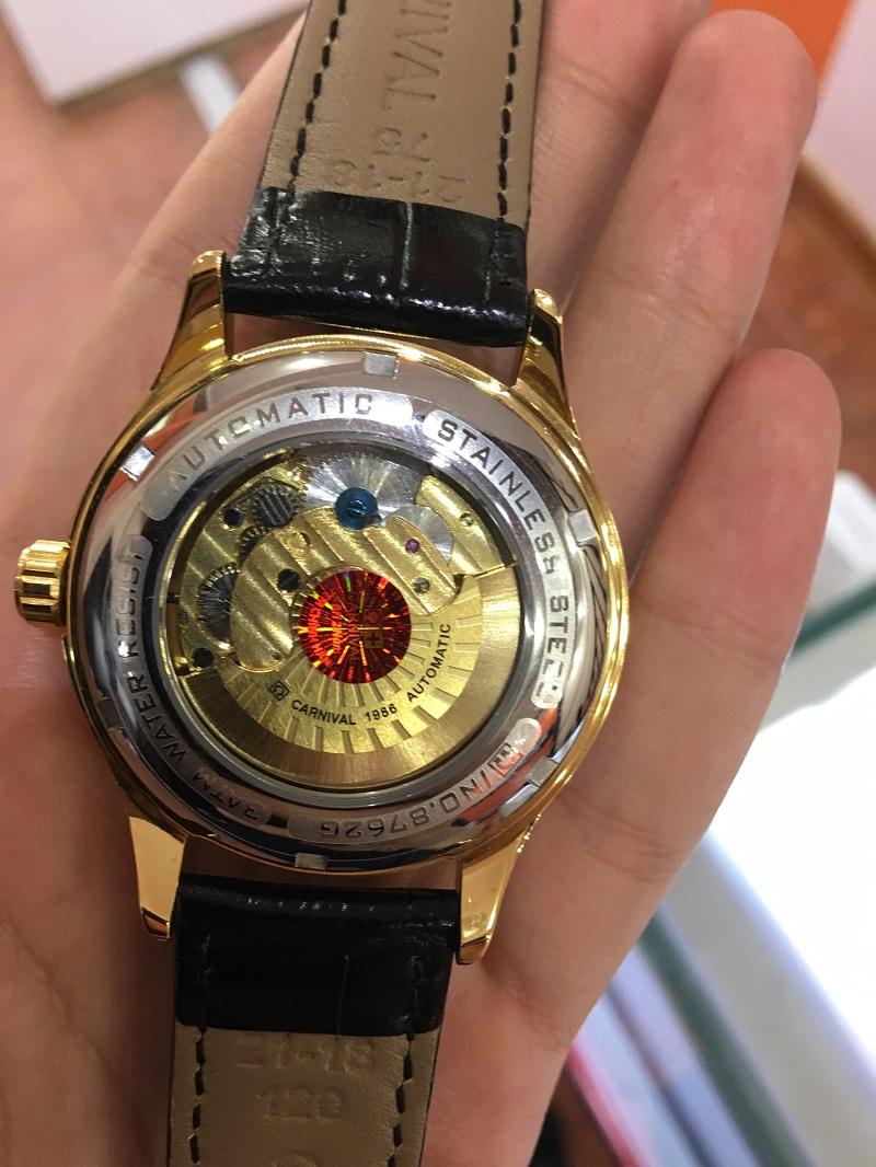 Đồng hồ Carnival của nước nào?