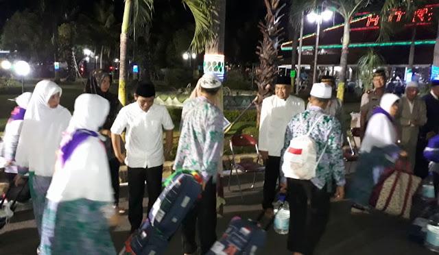 Jemaah haji asal Lumajang tiba di pendopo