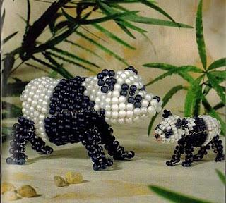 Объемная панда из бисера