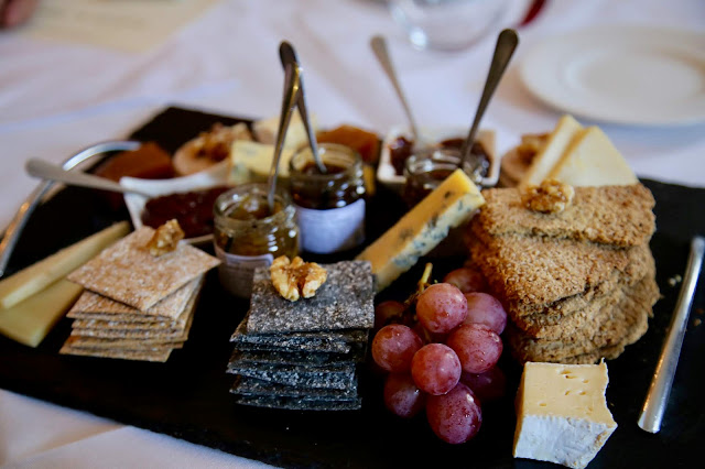 Scottish cheese board Eat on he green, Craig Wilson,. Aberdeenshire. pic:Kerstin Rodgers/msmarmitelover.com