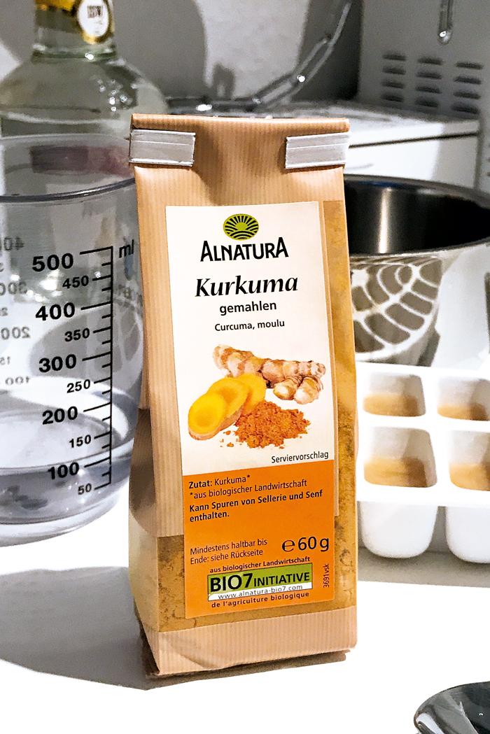 Kurkuma Latte - ein Rezept für das Hipster Getränk - they called me Ida