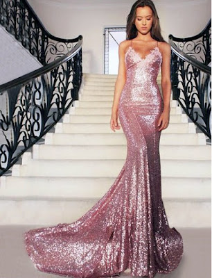 http://uk.millybridal.org/product/v-neck-sequined-court-train-appliques-lace-trumpet-mermaid-backless-prom-dresses-ukm020102499-17391.html?utm_source=minipost&utm_medium=2368&utm_campaign=blog