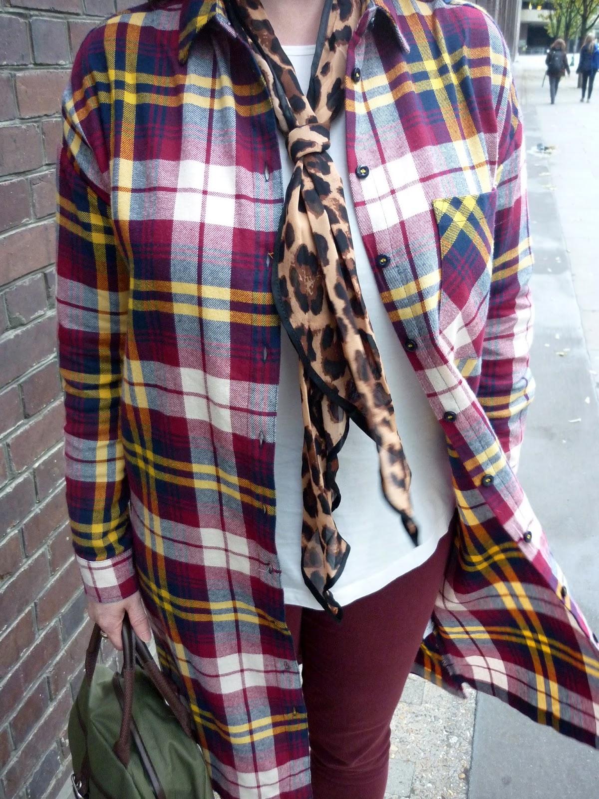 Oversized Tartan Shirt, Burgundy Jeans, Leopard Print Tie | Petite Silver Vixen