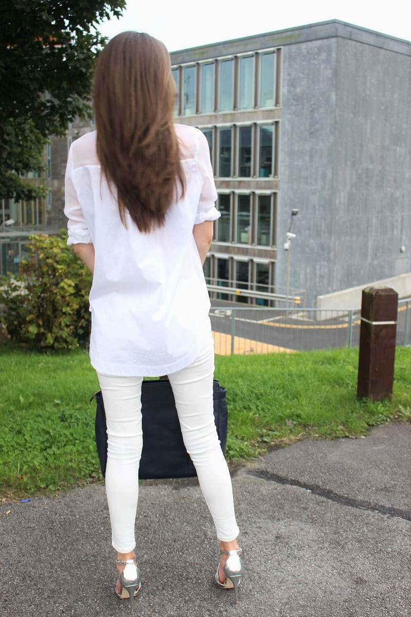 how to wear white blouse, how to wear silver shoes