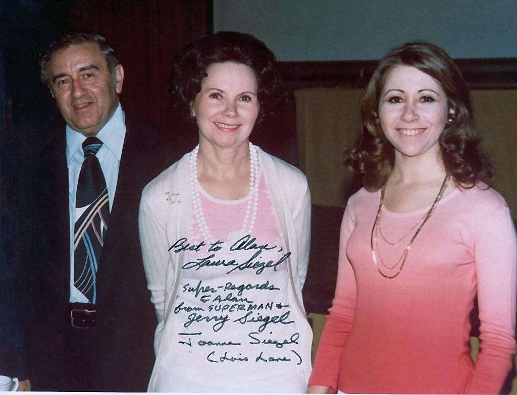 Iza Calzado (b. 1982) foto