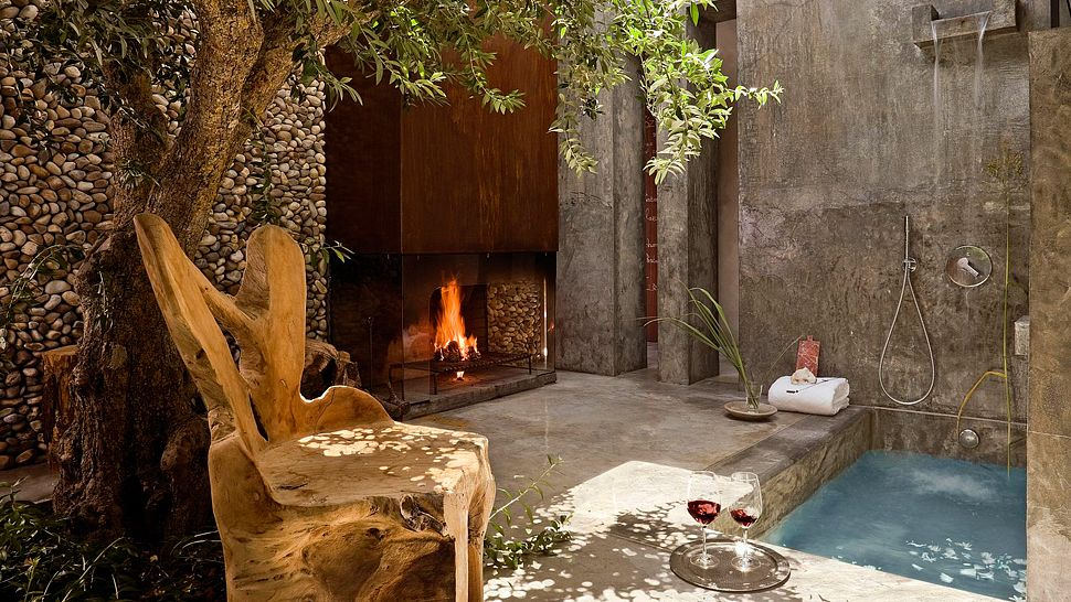 lit-fire-private-pool-shower