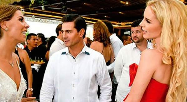 México.- El ex-presidente mexicano Enrique Peña Nieto (2012-2018) apareció por primera vez en público con su nueva pareja, la modelo mexicana Tania Ruiz, en una boda celebrada en Acapulco, según muestran imágenes de la revista rosa ¡HOLA!.