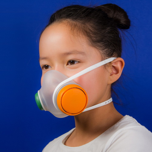 Tinuku Woobi Play anti-pollution mask by Kilo studio for Airmotion Laboratories easy to use and attractive to children
