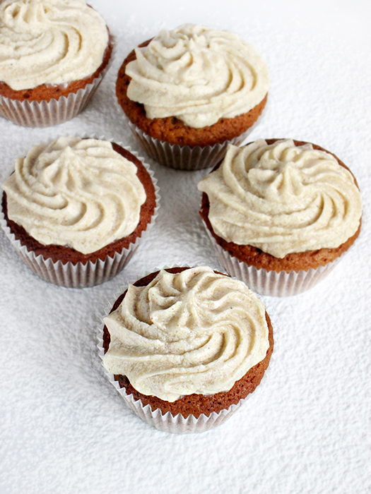 Gingerbread cupcakes recipe tinascookings.blogspot.com