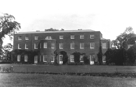 Photograph of Potterells House rear view in the 1900s Image from the NMLHS