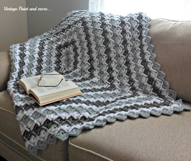 Vintage, Paint and more... grey diamond crochet afghan from a free pattern.