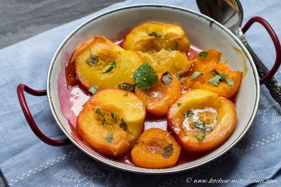Pfirsiche, Nektarinen und Marillen...aus den Ofen