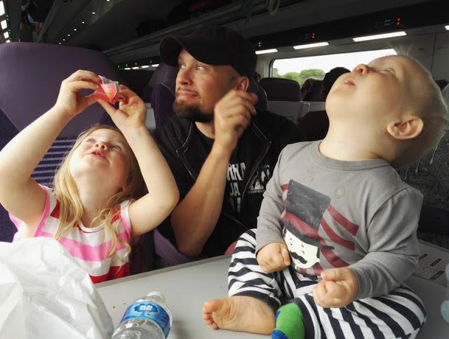 Irlannin junassa lapset mukana