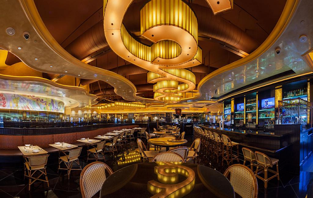 Como é o restaurante The Cheesecake Factory em Miami e Orlando