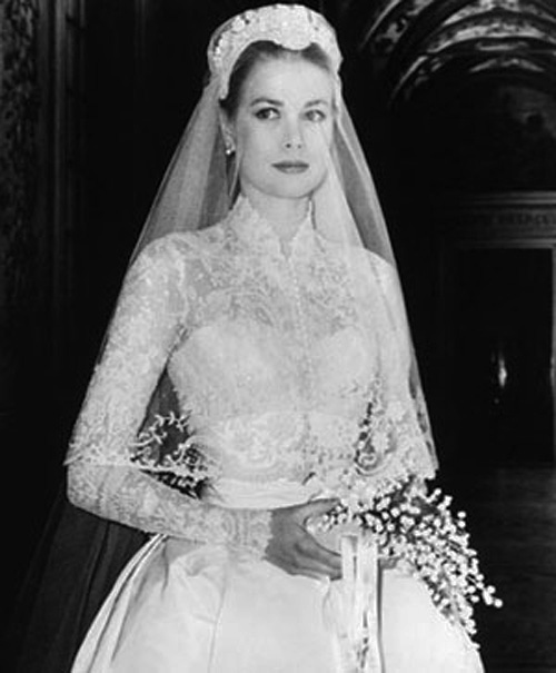 Legacy Of Elizabeth S Wedding Gown Includes Two Other Icons Grace Kelly Helen Rose In 1956