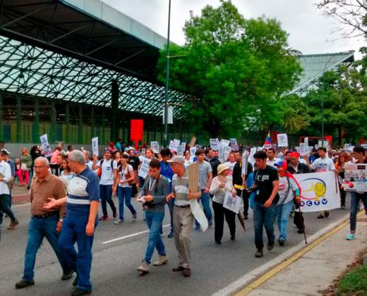 #27J Un día del periodista en medio de ataques y amenazas a la profesión