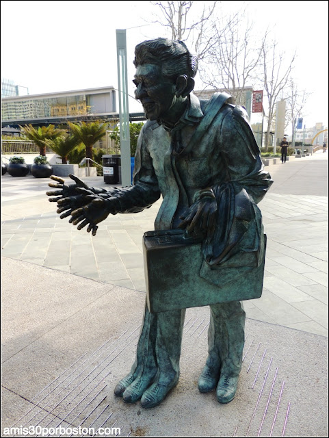 Shaking Man Sculpture
