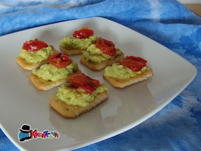 finger food che si prepara in 5 minuti con avocado e peperoni