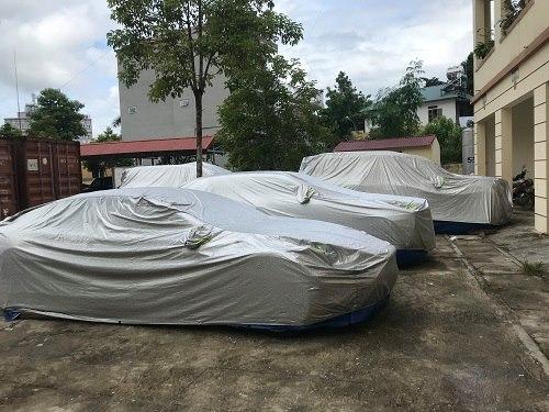 Dàn siêu xe được phát hiện bỏ rơi bên đường tại huyện Chợ Mới (Bắc Kạn)