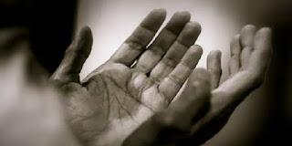 11 Amalan Harian yang Bisa Menjauhkan Dari Kemiskinan
