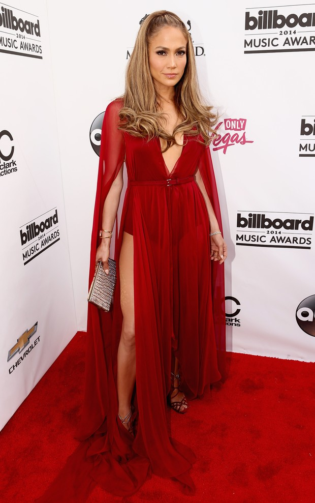 Confira os looks das celebridades no Billboard Music Awards
