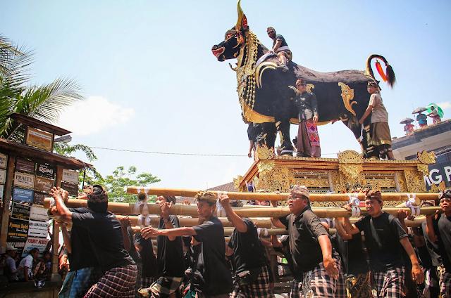 Tradisi Ngaben Dari Bali