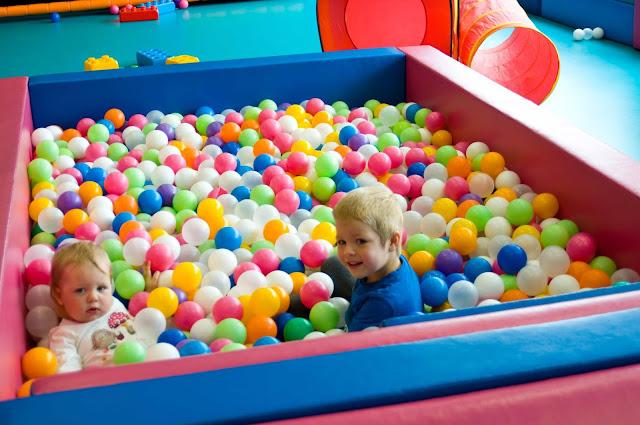 basen z kulkami, Puck, plac zabaw dla dzieci