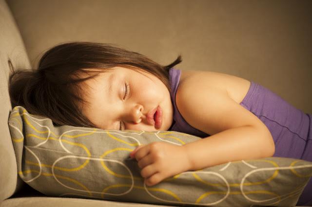 Bukannya Pemalas, Perempuan Memang Perlu Tidur Lebih Lama Berbanding Lelaki