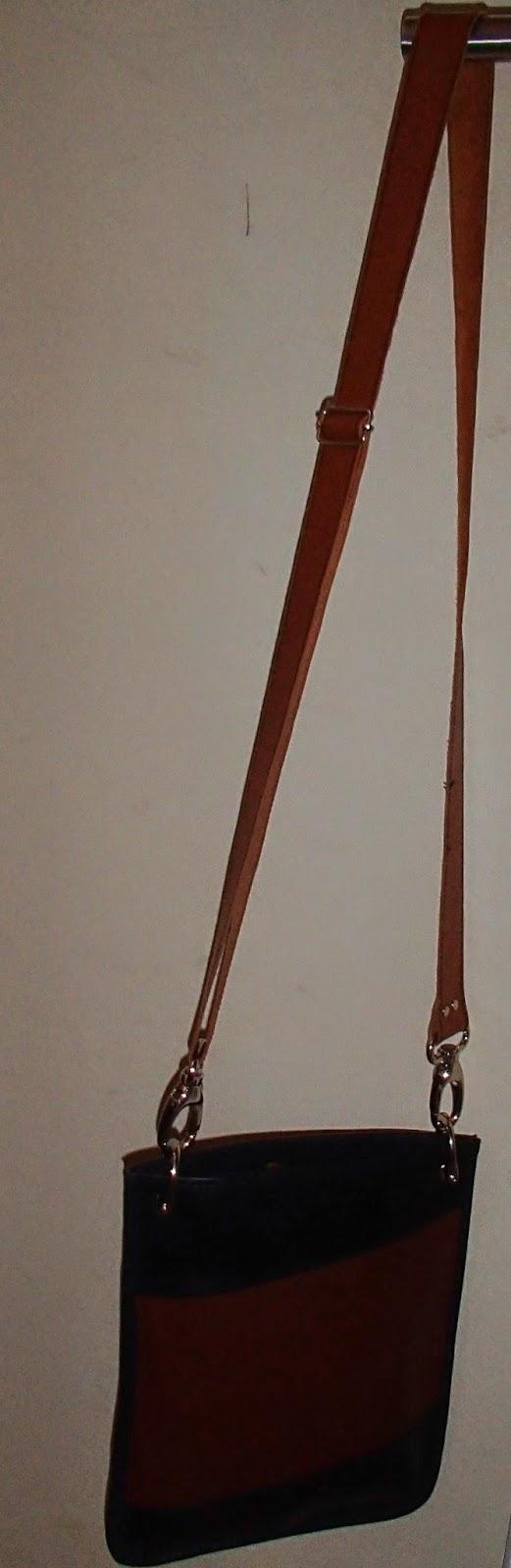 Vue générale du sac à main en cuir bicolore