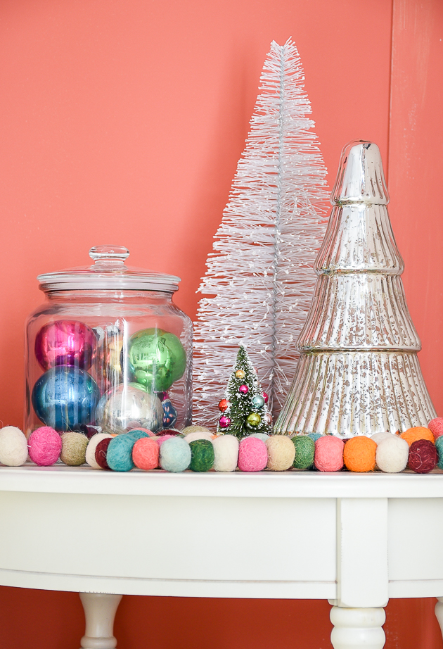 Christmas home tour, christmas, modern farmhouse, holiday home , Classic christmas, Christmas tree, kids bedroom, holiday decorated kids room, vintage ornaments