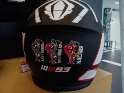 Helm SHOEI motif MM93 belakang