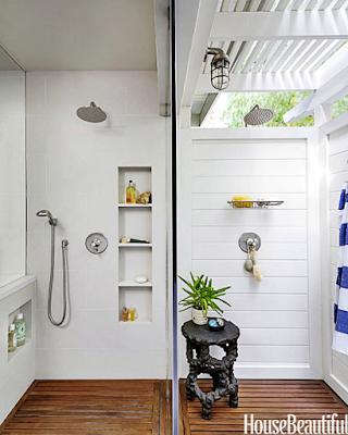 15 Design Kamar Mandi Unik Agar Rumah Tampil Beda - Kamar Mandi Indoor dan Outdoor yang Dibuat Menyatu