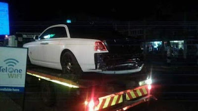 Photos: Grace Mugabe?s son Russell Goreraza detained for hours at border post with three luxury cars