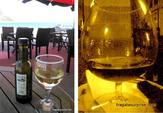 Bebidas da Grécia: vinho Malvasia e conhaque Metaxa