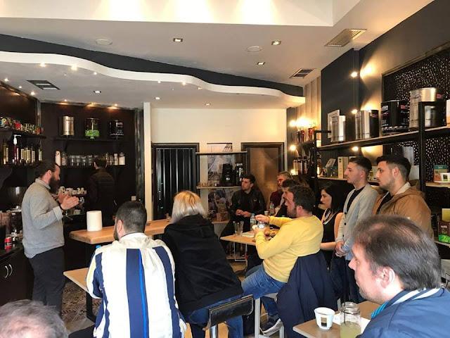 Ήγουμενίτσα: Έδειξε σε μαγαζάτορες της Ηγουμενίτσας πως να φτιάχνουν καλό καφέ!