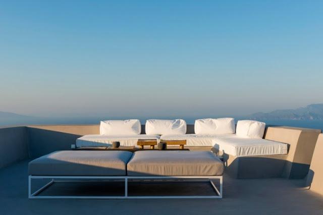 terraza con vistas al egeo chicanddeco