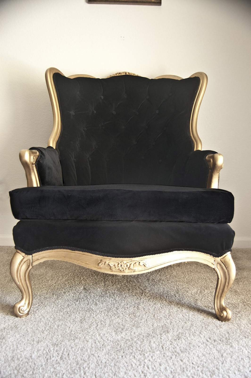 551 east : Chair Week Day 3: Tufted Black Velvet