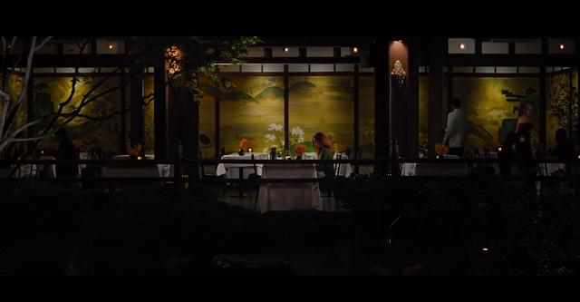 L'un des derniers plans du film Nocturnal Animals Susan seule restaurant