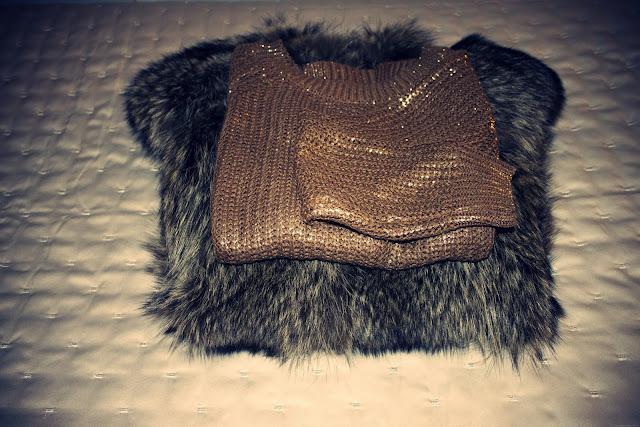 ... non solo a comprare un maglione così brutto 15f736ab0082
