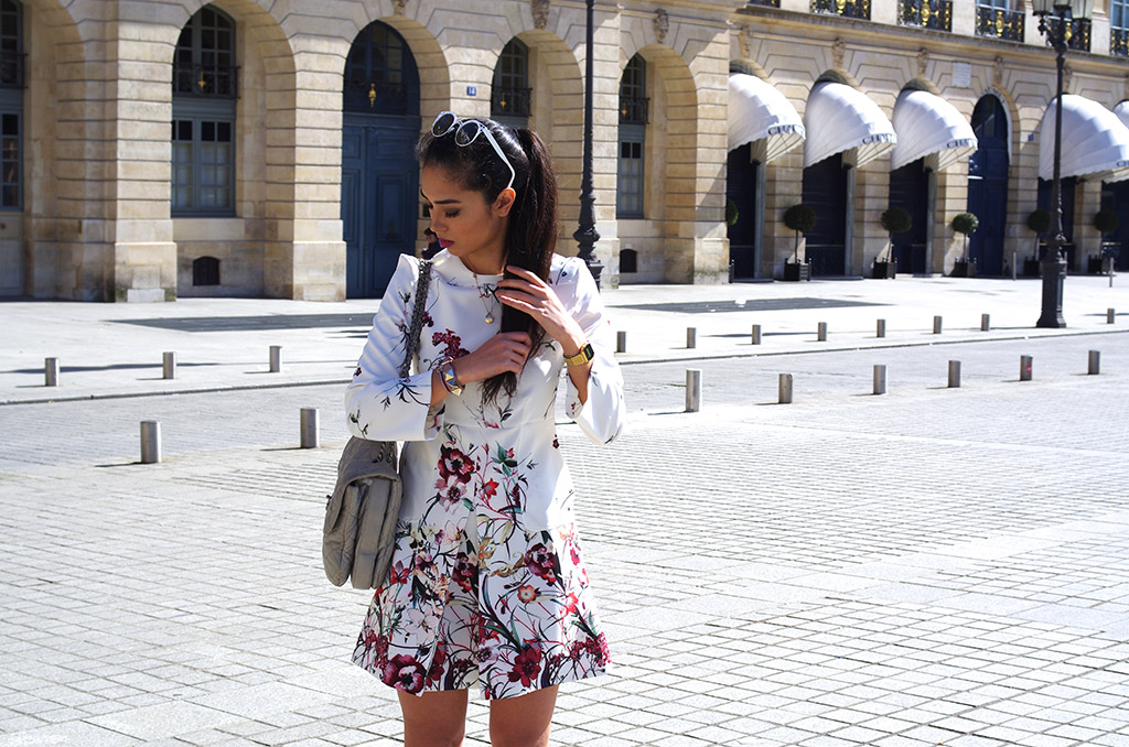 Elizabeth l spring flowers outfit l Stradivarius pink bomber jacket Zara dress Valentino bracelet Quay Australia sunglasses Chanel bag Sergio Rossi shoes  l THEDEETSONE l http://thedeetsone.blogspot.fr