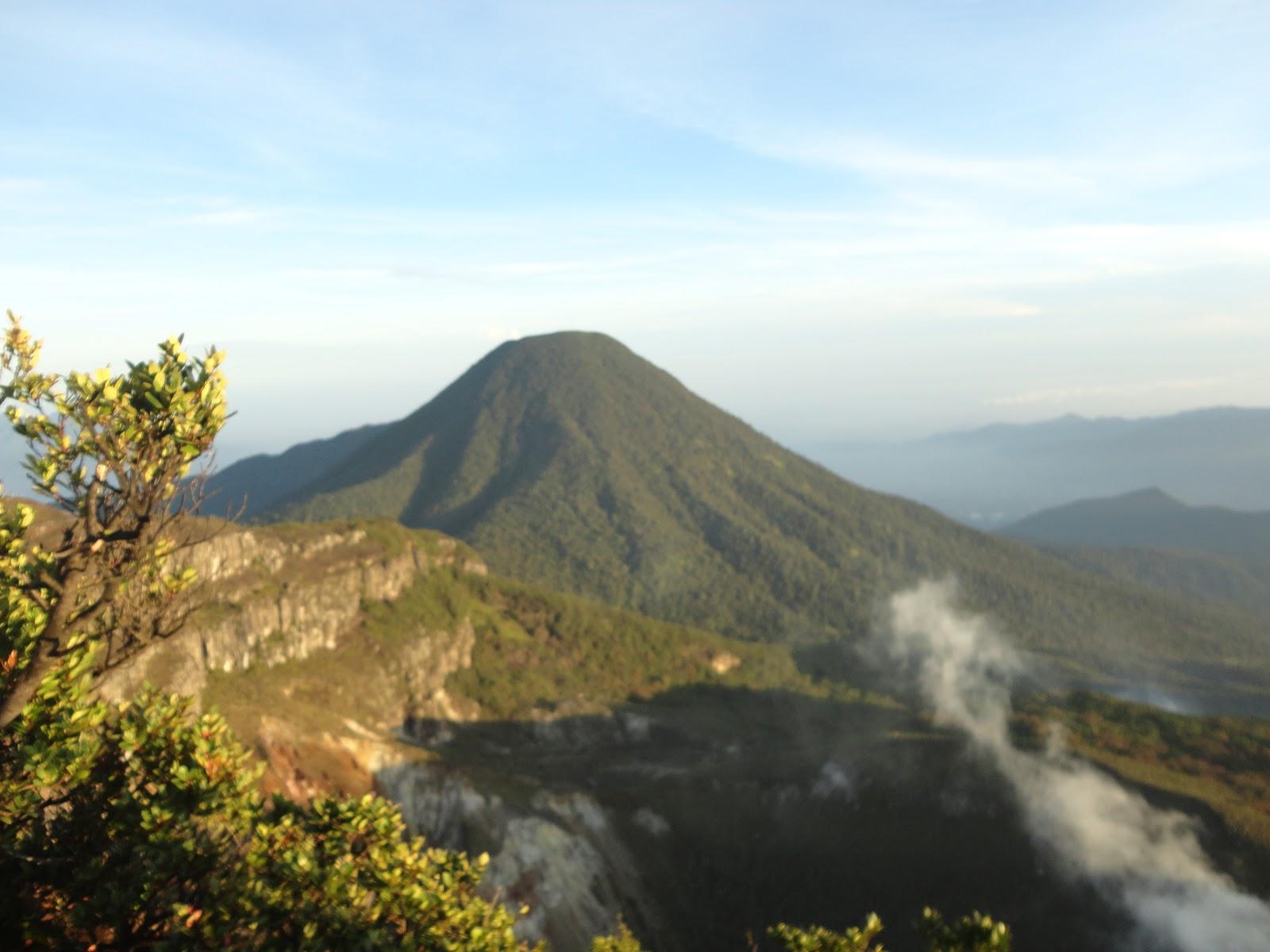 Gunung Gede Pangrango di Jawa Barat