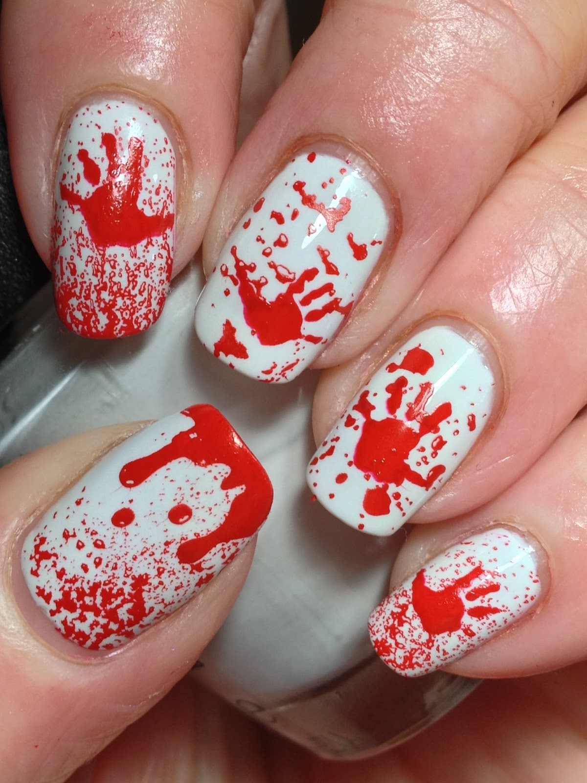 Canadian Nail Fanatic: Halloween Bloody Hands